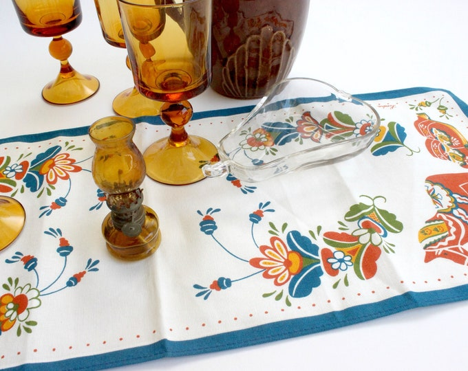 Featured listing image: Vintage Tea Linen, Swedish Table Linen