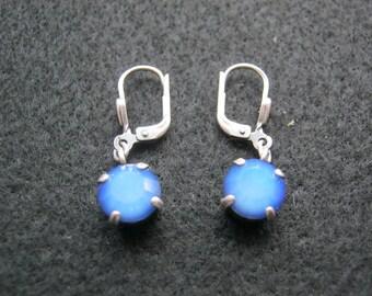 1 Paar Ohrhänger Silberfarben mit Blauen Stein,Modeschmuck,Hadelsware ca.1970 Deutschland
