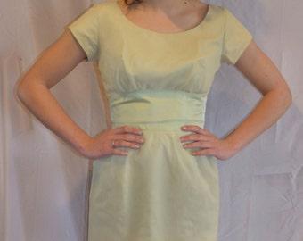 ON SALE!!! Pistachio 1950's Bombshell Dress