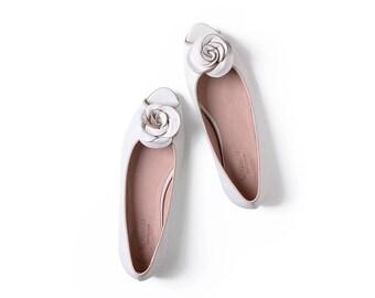 White peep toe elegant shoes with rose leather handmade