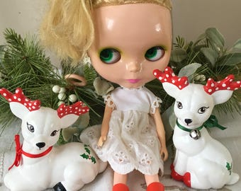 Two Pair Ceramic White Deer Figurines Reindeer Christmas 70's Vintage Painted Red Holly Berry, Friends of Blythe