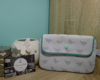 Small snap pouch tucks papers or accessories