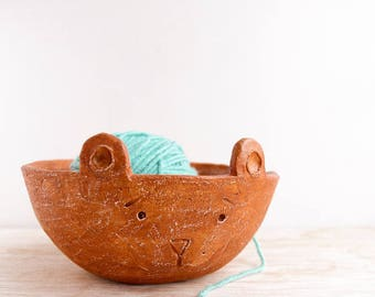 knitting bowl, modern pottery, yarn bowl, stoneware, ceramic yarn bowl, pottery handmade, mothers day gifts, pottery bowl, gift for wife