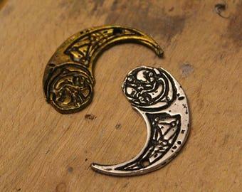 Rose/Paige Tico medallion   METAL   prop   necklace   jewellery   Haysian Smelt