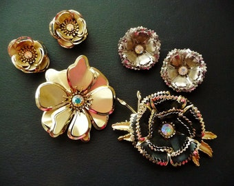 Vintage Destash Metal Flower Jewelry Lot, Large Brooches, Clip On Earrings, Rhinestone Centers