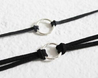 Gargantilla de gamuza negra anillo, collar anillo