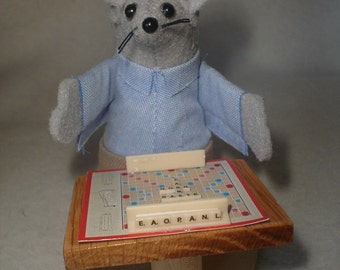 MOUSE PLAYING SCRABBLE!