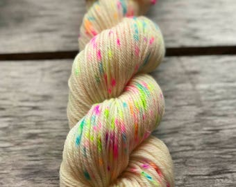 Yarn, speckled yarn, ANISE COOKIE, confetti yarn, acid dyed yarn, worsted , DK, fingering, yarn in handmade, Christmas gifts
