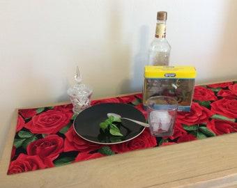 Kentucky Derby Table Runner  - Kentucky Derby Centerpiece - Kentucky Derby Party Linens - Derby Roses
