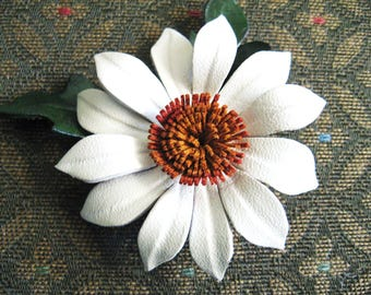 Vintage Daisy Pin, Leather, Colored White, Brown and Green