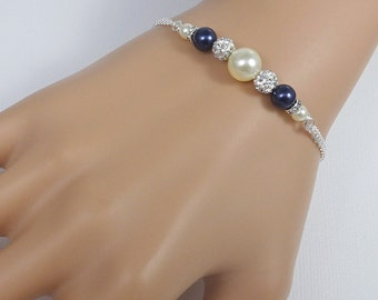 Navy Pearl Wedding Bracelet, Swarovski Navy Pearl Bridesmaid Bracelet, Navy Bridesmaid Jewelry, Dark Blue Bridesmaid Gift, Wedding Bracelet
