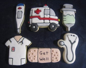 12 Cute Ambulance Cookies