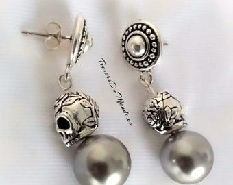 Silvery grey Swarovski Crystal Pearl Earrings and engraved Silver Skulls, Dangle earrings for pierced ears/Rebel chic earrings/Prom earrings