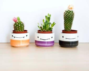Maceteros de cerámica pequeños Manolitos, Maceteros de colores con cara, Ideas regalo, Ceramica españa,ceramica española, Noe marin ceramica