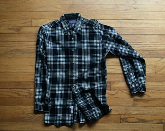 vintage 80's Pendleton shirt / outdoor chore shirt / wool shirt / flannel / plaid / single patch pocket / Made in the USA / mens / size M