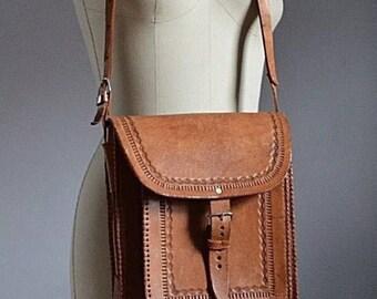 Vintage 1970's brown leather boho messenger bag/purse