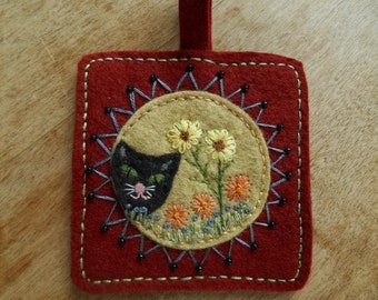Folk Art Cat Ornament,  Hand Embroidery,  Spring Flowers,  Home Decor, Wall hanging, Beaded ornament, Miniature