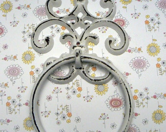 Fleur de lis Cast Iron White White FDL Wall Small Hand Towel Ring French Bathroom Kitchen Decor Paris Shabby Elegance Cottage Distressed