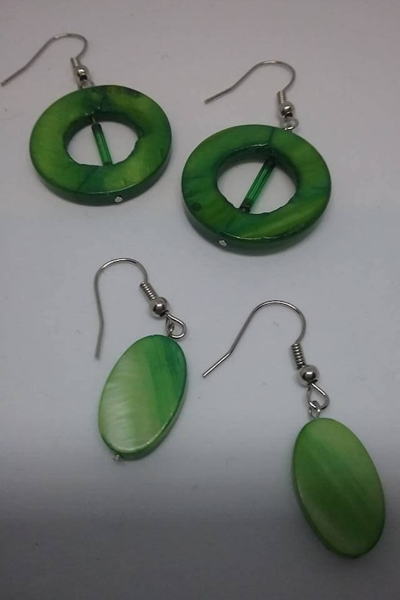 Mother of Pearl Hoops, Dyed Mother of Pearl Earrings, Retro Dangle and Hoop Green Earrings, Dyed Green Mother of Pearl Earring, Earrings Set