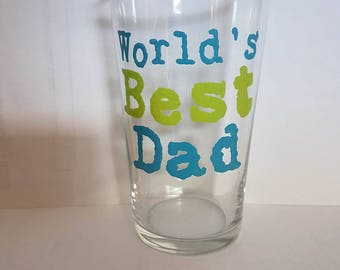 """Hand painted """"world's best dad"""" pint glass"""