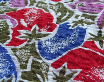Vintage Fabric - vibrant red, blue and purple fruit design cotton - a  fabric fat quarter