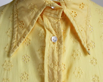 Vintage 1990s Bright Yellow 70s Style Collar Embroidered Broderie Anglaise Daisy Floral Fitted Blouse Shirt Top UK 10