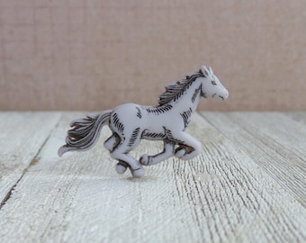 Mustang - Wild Horse - Equestrian - Western - Pony - Competition - Freedom - Possibility - Romance - Race Horse - Lapel Pin