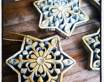 Snowflake gold and white for Christmas, scrapbooking or Christmas decoration tree decoration