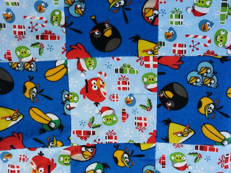 Angry birds en tissu dans une petite couverture de no l - Angry birds noel ...