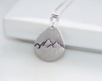Sterling Silber Teardrop Berg Halskette
