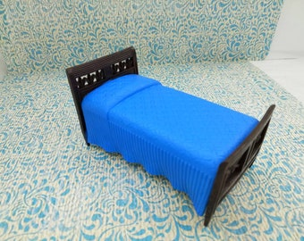 Renwal Bedroom Bed Doll House Toy Hard  Plastic Painted Blue Spread Four legs