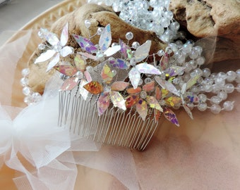 White Bridal Hair Comb White Wedding Hair Comb Sparkly Hair Comb Crystal Hair Comb Hair Flowers Wedding Hair Accessories Wedding Hair Slide