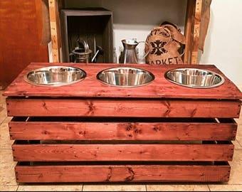 XL Elevated 3 Bowl Dog Feeder.