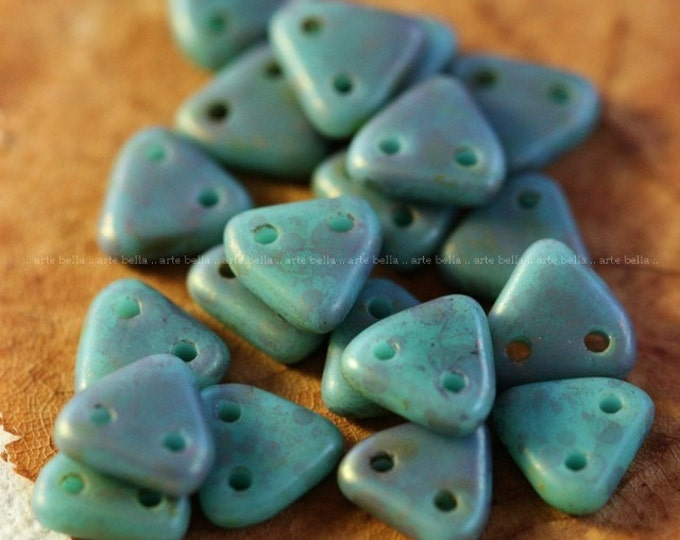 clearance .. PERSIAN .. 20 Premium Picasso Glass Czech Triangle Beads 6mm (4078-20)