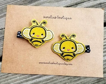 Bumble bee hair clips, bee hair clippies, black and yellow hair clips, bee party, bee birthday