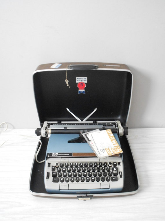 vintage blue smith corona electra 220 electric typewriter / case and key / office