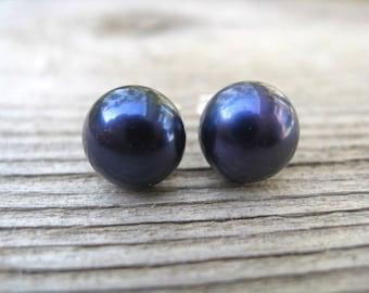 navy blue pearl studs. freshwater pearl earrings. birthstone jewelry.