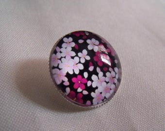 CLEARANCE brooch round 25mm floral glass cabochon