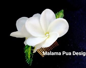 Bridal hair comb, Silk flowers, hair Accessory, Tropical hair flower, Headpiece, Hawaiian Plumeria, Hair piece, Custom hair clip, Beach
