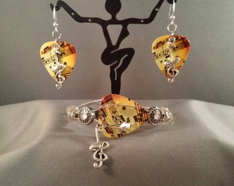 "Guitar pick and guitar string bracelet and earring set ""Sheet Music Duet"""