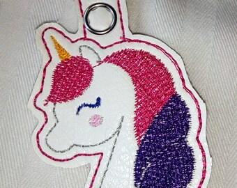 Unicorn Zipper Pull/Keychain