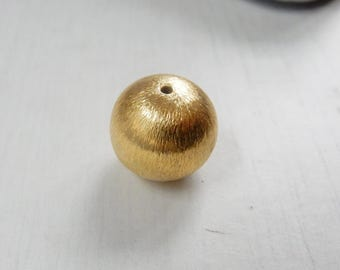 18K Gold Vermeil (Gold plated sterling silver)brushed round bead, 14mm , brushed gold spacer