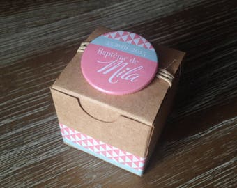 Boxes favors in kraft with badge