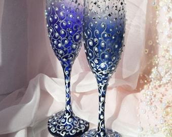 Navy Blue Wedding Glasses, Navy Wedding, Wedding Champagne Flutes, Bride And Groom, Personalized Toasting Flutes, Wedding gift, Set of 2