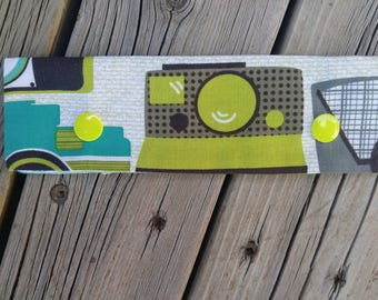 DPN Cozy - Camera with Yellow Snaps
