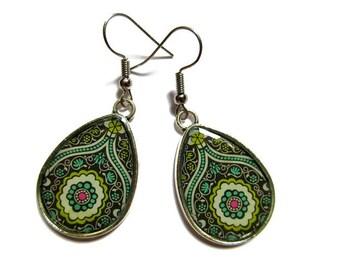 Teardrop Earrings, drop earrings Paisley Pattern, green BOHO Earrings, Hippie Earrings, Indian Pattern, Ethnic Earrings, Tribal Earrings