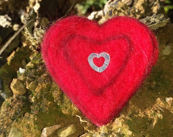 Valentines Gift for Her - Heart Jewelry - Red Heart Brooch - Needle Felted Heart Brooch - Felted Heart Brooches - Handmade Felt Heart Pin