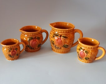 Vintage Set of 4 measuring cup with apple, cookware set of measuring cup pitcher
