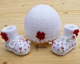Newborn Girl Hat and Booties, White Baby Beanie, Crochet Boots Baby, Knit Baby Shoes, Beaded Baby Booties, Ladybug Baby Hat, Baby Girl Set.