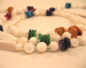 White color block necklace